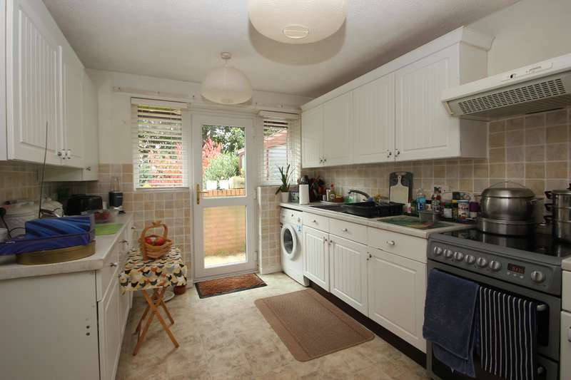 2 Bedrooms Terraced Bungalow for sale in Orchard Close, Stoke Bishop, Bristol BS9 1AS
