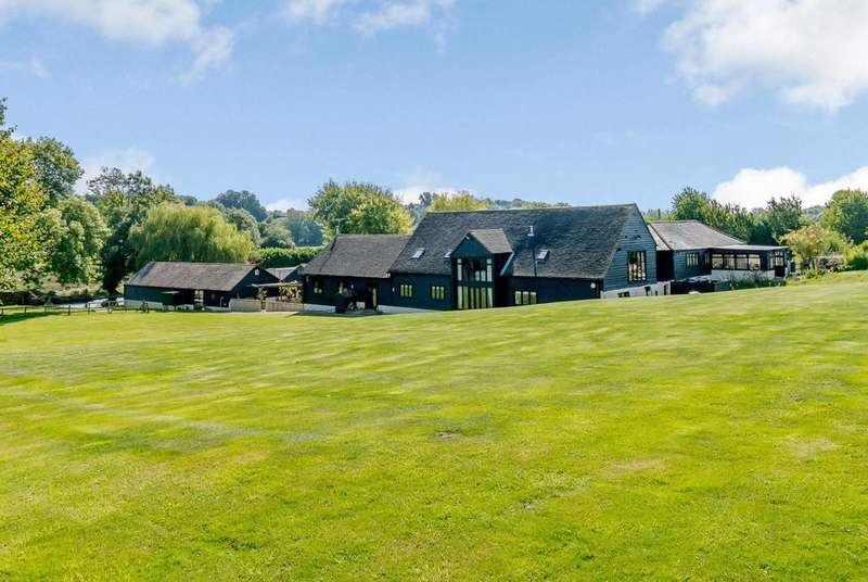 4 Bedrooms Barn Conversion Character Property for sale in Cherry Street, Duton Hill, Dunmow, Essex, CM6