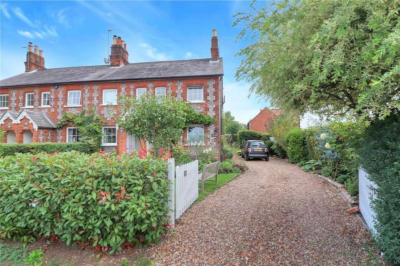 3 Bedrooms House for sale in The Common, Chipperfield, Hertfordshire, WD4