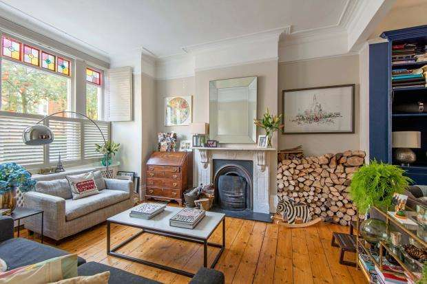 4 Bedrooms Terraced House for sale in Gladsmuir Road, Whitehall Park, London, N19