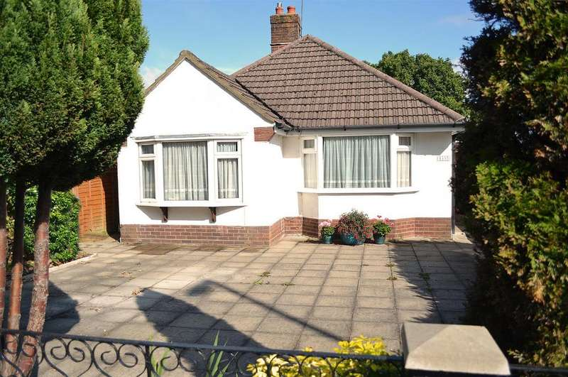 3 Bedrooms Detached Bungalow for sale in Wimborne Road, Kinson, Bournemouth