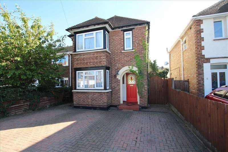 3 Bedrooms Detached House for sale in Blunham Road, Biggleswade, SG18