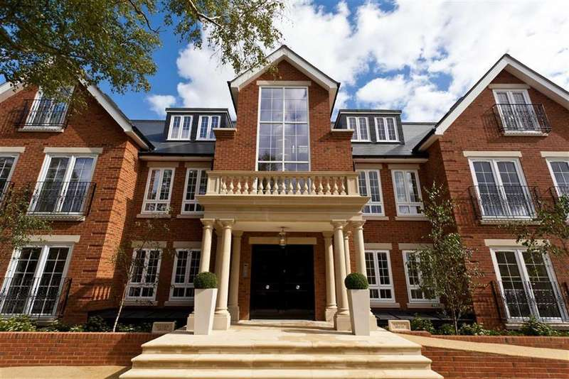 3 Bedrooms Apartment Flat for sale in Uplands Park Road, Enfield, Middlesex