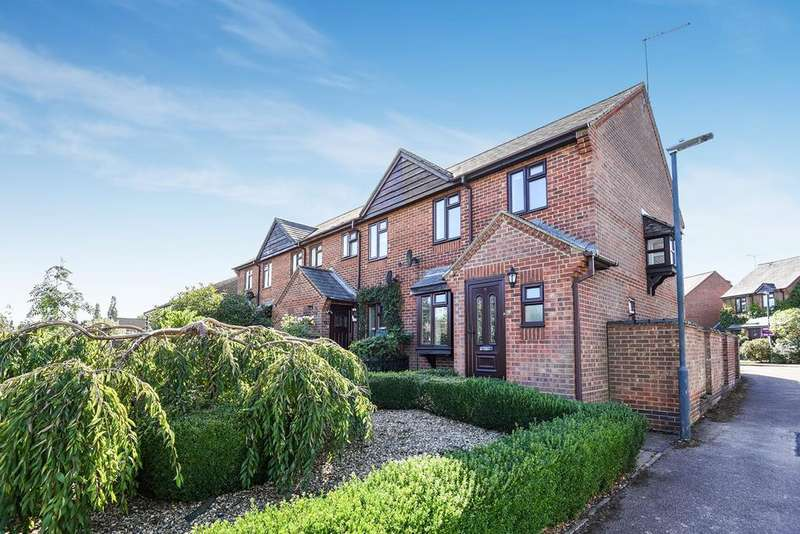 3 Bedrooms Terraced House for sale in Woodlands Meade, Damask Green Road, WESTON, SG4