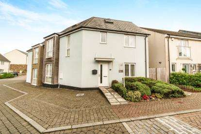 4 Bedrooms End Of Terrace House for sale in Southway, Plymouth, Devon