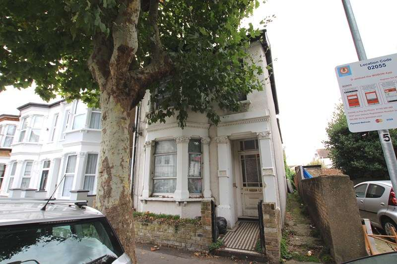 4 Bedrooms Detached House for sale in Napier Avenue, Southend-On-Sea