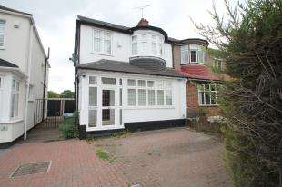 4 Bedrooms Semi Detached House for sale in Green Lane, London, .