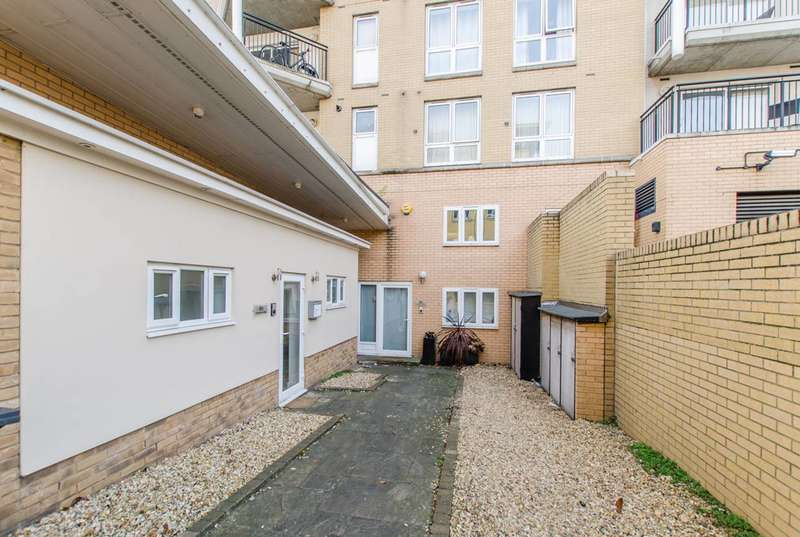 3 Bedrooms Maisonette Flat for sale in Jamestown Way, Canary Wharf, E14
