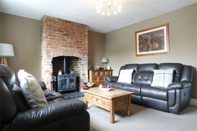 2 Bedrooms Semi Detached House for sale in Cambridge Street, Stalybridge, Greater Manchester, SK15