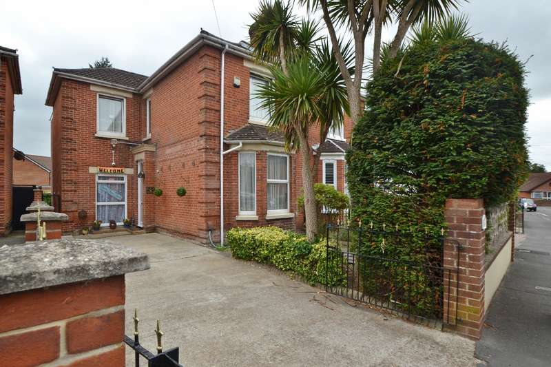 4 Bedrooms Semi Detached House for sale in Shirley