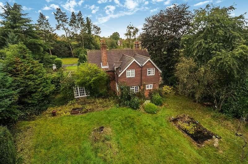 4 Bedrooms Detached House for sale in Park Road, Stoke Poges, Buckinghamshire, SL2