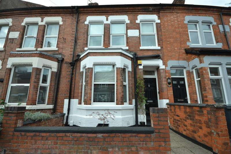 4 Bedrooms Terraced House for sale in Clarendon Park
