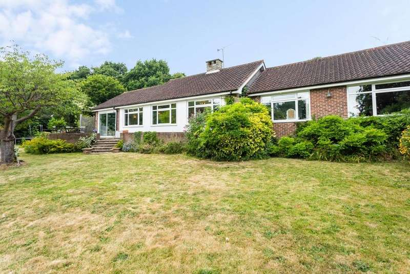 3 Bedrooms Bungalow for sale in Warren Rise, New Malden