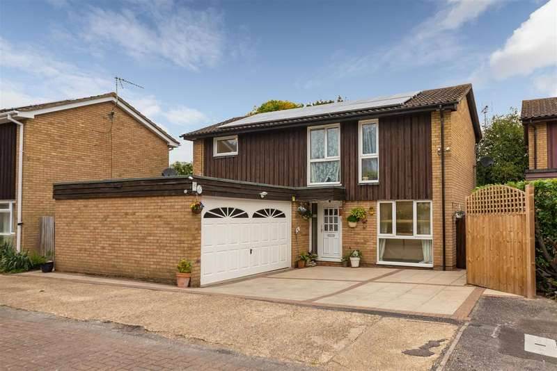 4 Bedrooms Detached House for sale in Farthing Drive, Letchworth Garden City