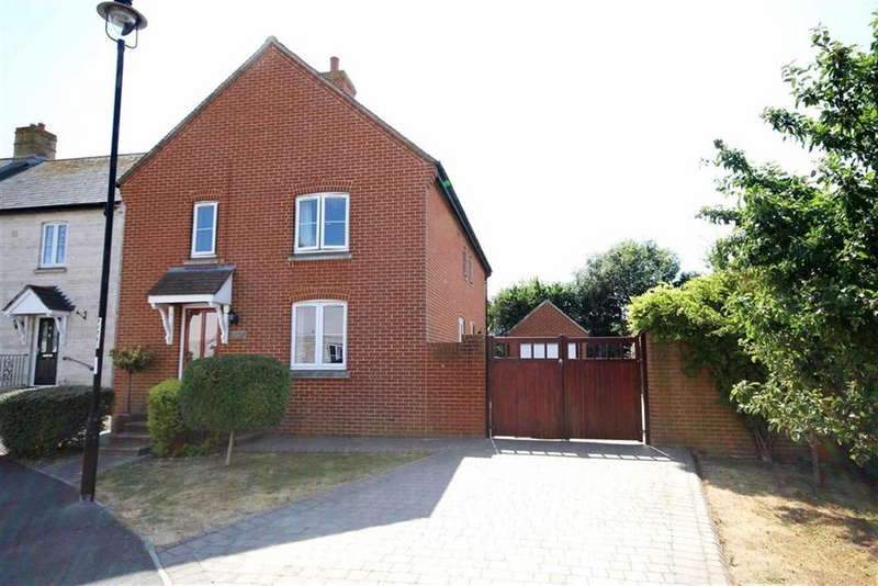 4 Bedrooms Detached House for sale in Vines Place, Weymouth, Dorset
