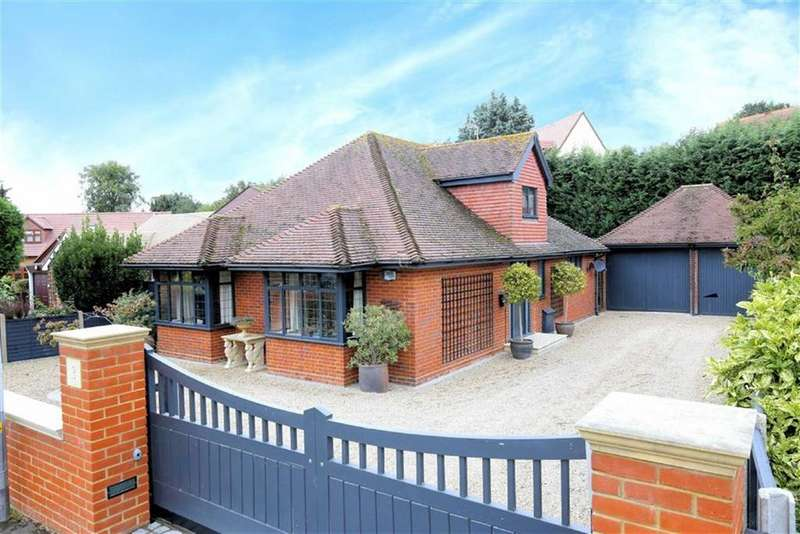 3 Bedrooms Detached House for sale in Homefield Close, Epping, Essex