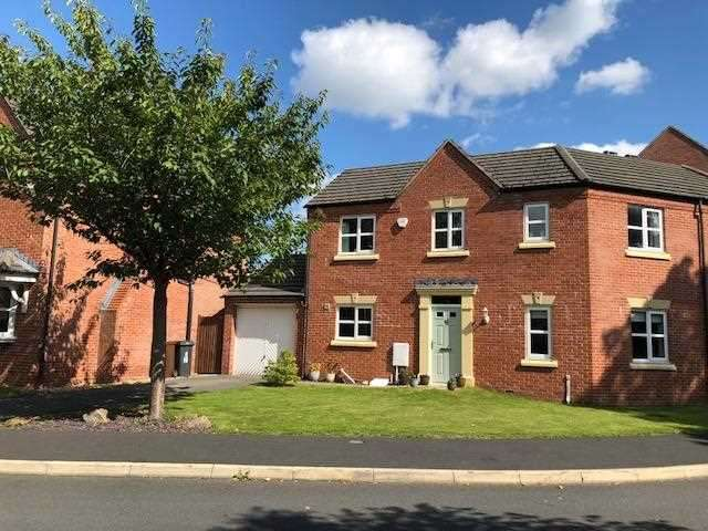 3 Bedrooms Semi Detached House for sale in Wennington Road,, Highfields, Wigan