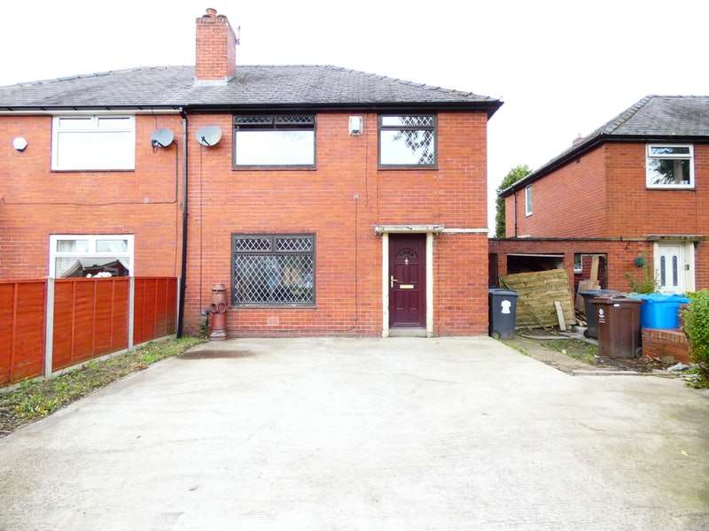 3 Bedrooms Terraced House for sale in Oban Avenue, Oldham, Greater Manchester, OL1