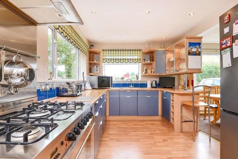 3 Bedrooms House for sale in Westlands Road, Newbury, RG14