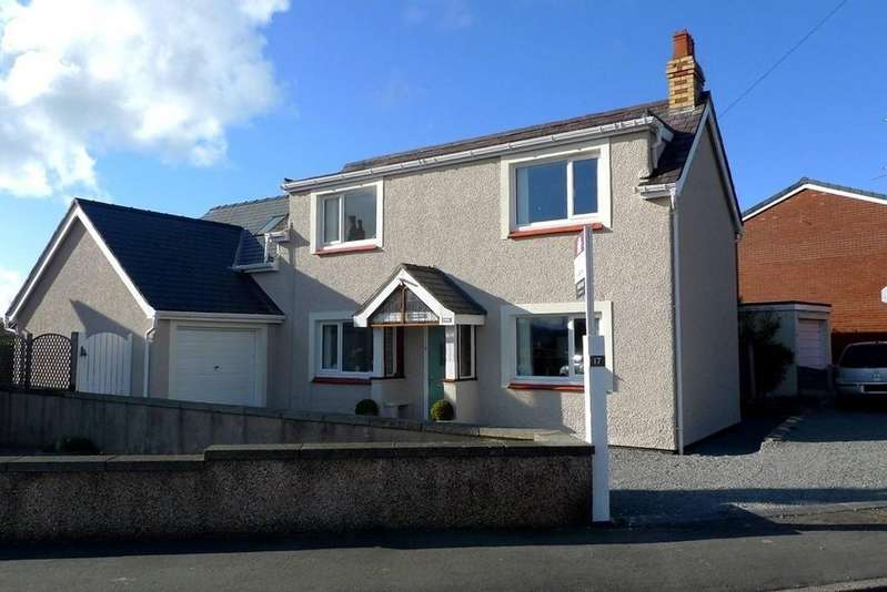 4 Bedrooms Detached House for sale in Narrow Lane, Llandudno Junction