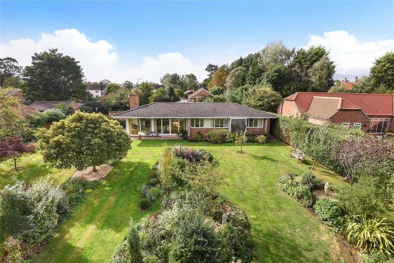 4 Bedrooms Detached Bungalow for sale in Old Lincoln Road, Caythorpe, NG32