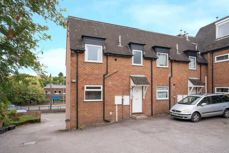 2 Bedrooms Apartment Flat for sale in Park Road, Chesham