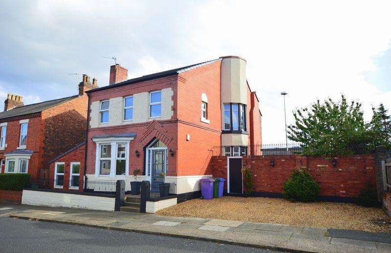 4 Bedrooms Detached House for sale in Jubilee Avenue, Liverpool