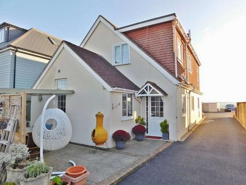 4 Bedrooms Detached House for sale in Hill Head Road, Hill Head