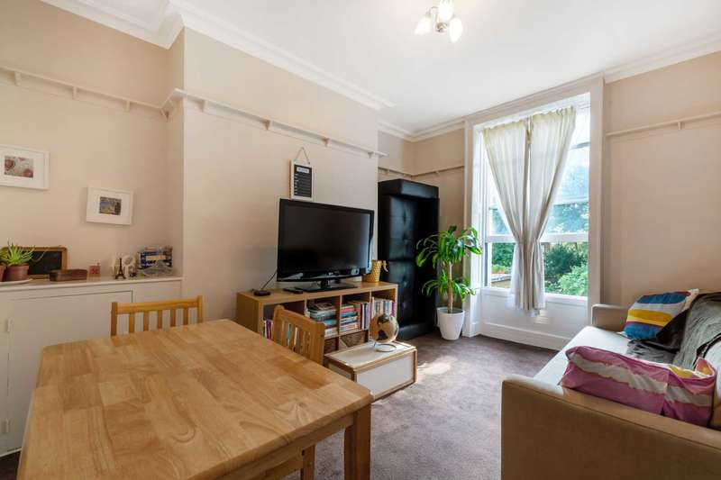 3 Bedrooms Flat for sale in Clapham Road, Clapham, SW9.