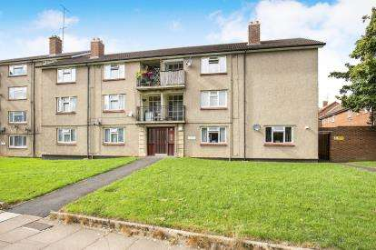3 Bedrooms Flat for sale in Canberra House, Pitman Road, Cheltenham, Gloucestershire