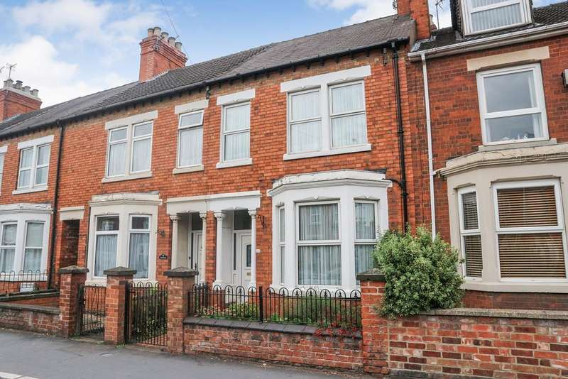 3 Bedrooms Town House for sale in Harlaxton Road, Grantham NG31