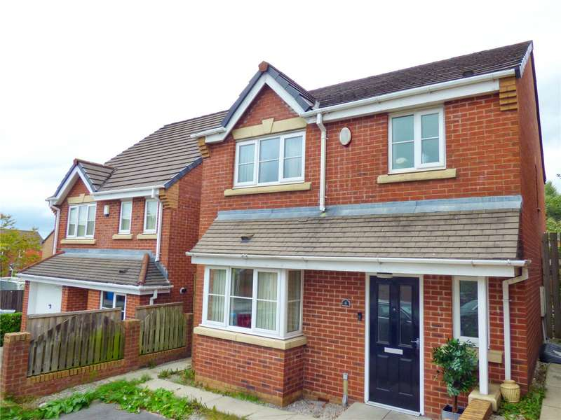 4 Bedrooms Detached House for sale in Hansby Close, Sandringham Park, Oldham, Greater Manchester, OL1