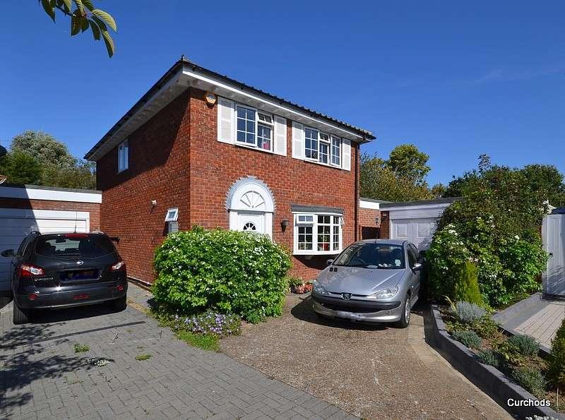 5 Bedrooms Detached House for sale in Upper Halliford