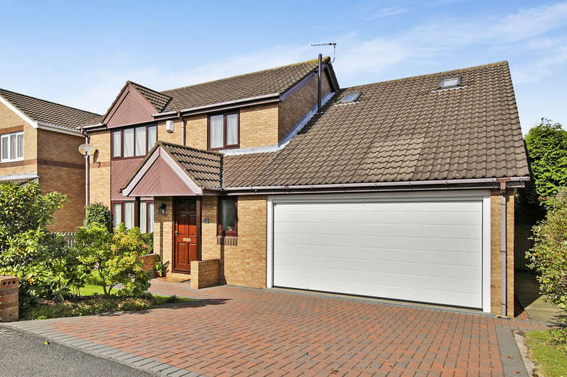 5 Bedrooms Detached House for sale in Ross, Ouston, Chester Le Street, DH2