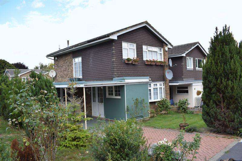 3 Bedrooms Terraced House for sale in Morningtons, Harlow, Essex