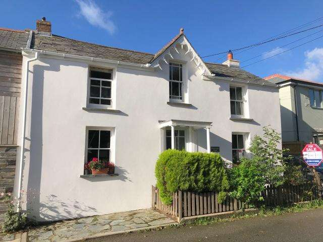 4 Bedrooms Semi Detached House for sale in St Mabyn