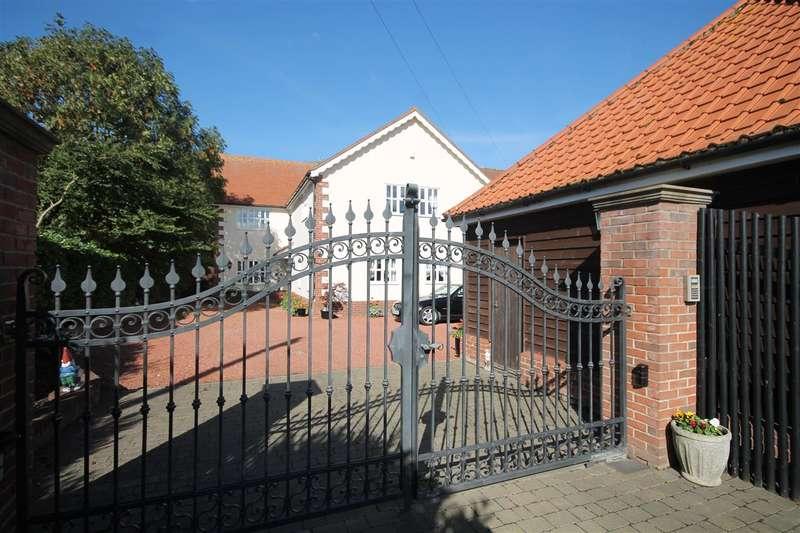 5 Bedrooms House for sale in Walton Road, Kirby le Soken