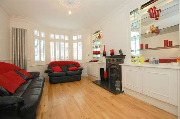 3 Bedrooms Terraced House for sale in Highclere Street, LONDON