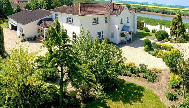 5 Bedrooms Detached House for sale in Susworth, Scunthorpe, Lincolnshire, DN17