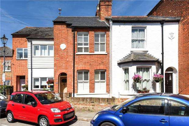 3 Bedrooms Terraced House for sale in Helena Road, Windsor, Berkshire