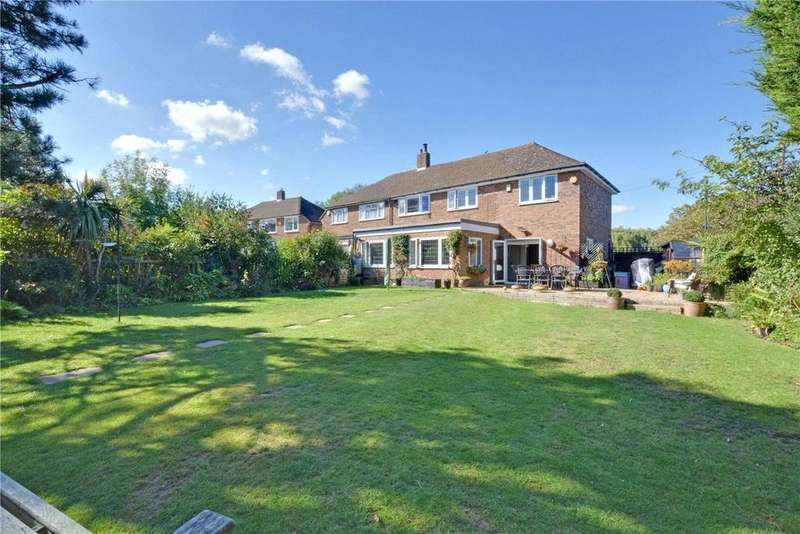 4 Bedrooms Semi Detached House for sale in Crouch Croft, London, SE9