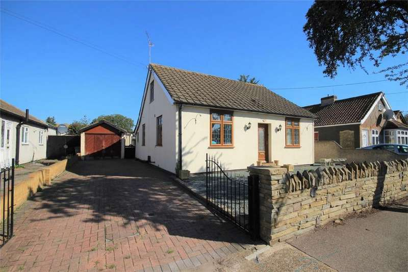 4 Bedrooms Detached House for sale in Frederick Road, Rainham, Essex