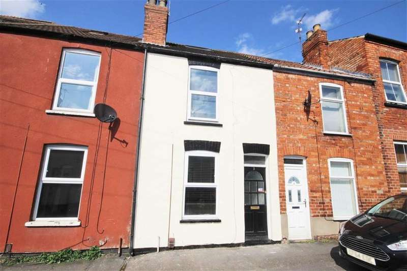 3 Bedrooms Terraced House for sale in Manby Street, Lincoln, Lincolnshire