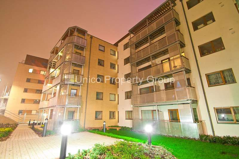 2 Bedrooms Flat for sale in Pryce House, Campbell Road, Bow, E3
