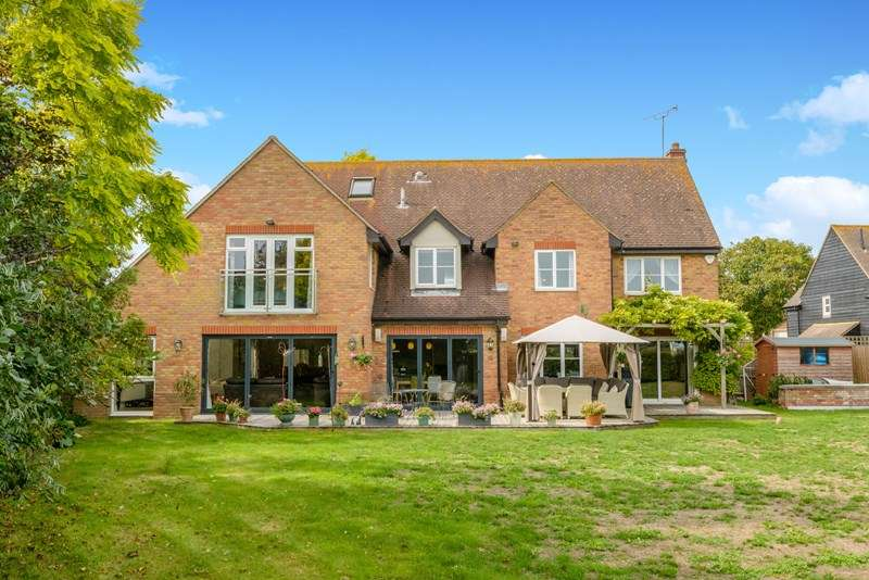 7 Bedrooms Country House Character Property for sale in 'Home Farm House' - Great Wakering Conservation Area