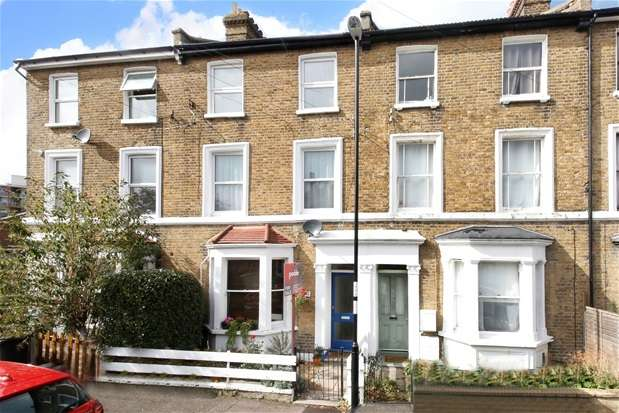 3 Bedrooms Flat for sale in Fransfield Grove, Sydenham