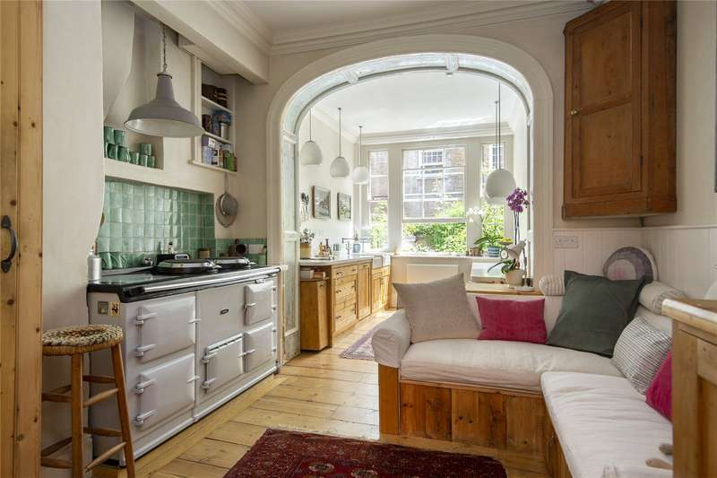4 Bedrooms Terraced House for sale in Newark Street, London, E1
