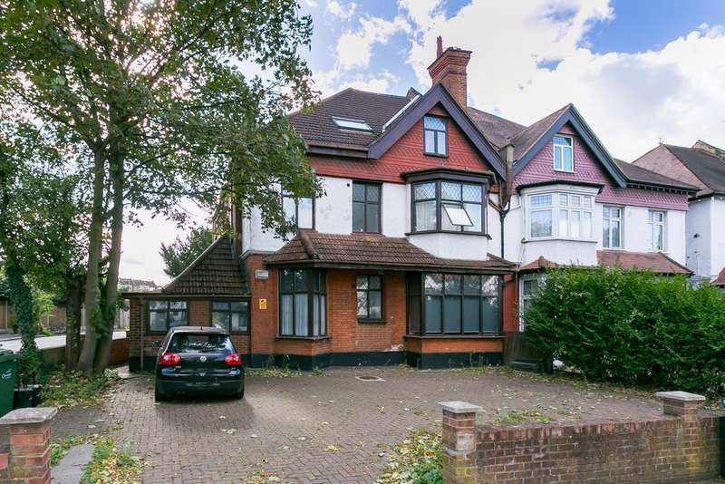 2 Bedrooms Flat for sale in Becmead Avenue, Streatham Hill