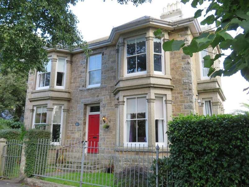 5 Bedrooms Detached House for sale in Trewithen Road, Penzance
