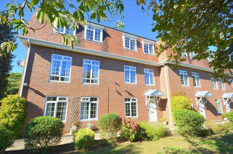 3 Bedrooms Town House for sale in Dunbar Road, Bournemouth